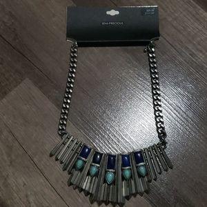 Necklace semi-precious
